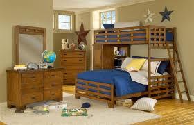 fenyő emeletes ágyat szeretne?